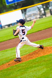 Jeune lanceur de base-ball Images stock