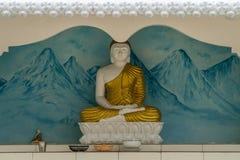 TANGALLE SRI LANKA, Styczeń, - 01, 2017: Buddha statua przy tem Zdjęcia Royalty Free