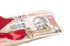 Tangent till framgång på sedlar för indisk rupie Arkivbild