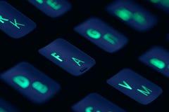 Tangentbord för dator för hög tech mekaniskt med panelljusrgb-belysning Slut upp av datordobbeltillbehören royaltyfria foton