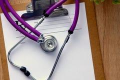 tangentbordbärbar datorstetoskop Bild för begrepp 3D Arkivfoto