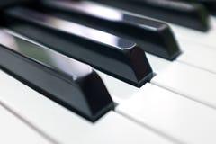 Tangentbordsynt Pianotangentbord med den selektiva fokusen klassiskt piano arkivbilder