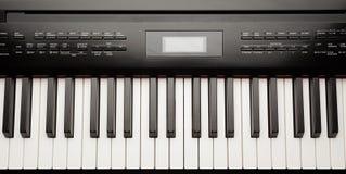 Tangenter av den digitala pianosyntet Royaltyfria Bilder