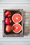 tangerine αχλαδιών ακτινίδιων μπανανών ανασκόπησης απομονωμένο καρποί λευκό Στοκ Εικόνες