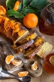 Tangerine κέικ με το τσάι στοκ εικόνες με δικαίωμα ελεύθερης χρήσης