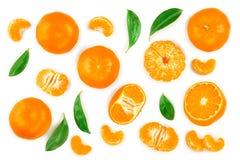 Tangerine lub mandarynka z liśćmi odizolowywającymi na białym tle Odgórny widok Mieszkanie nieatutowy obrazy royalty free