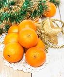 Tangerinen auf dem Tisch lizenzfreie stockfotografie