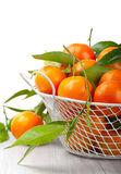 Tangerinen auf der Tabelle stockfotos