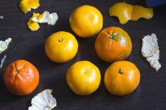 Tangerinen und ihre Häute Lizenzfreie Stockfotografie