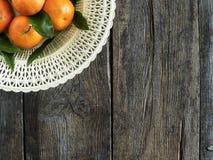 Tangerines με τα φύλλα Στοκ φωτογραφία με δικαίωμα ελεύθερης χρήσης