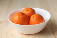 Tangerines σε ένα πιάτο Στοκ Φωτογραφίες