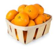 Tangerines в корзине изолированной на белизне Стоковые Фото