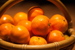 Tangerines в корзине Стоковые Фотографии RF
