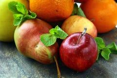 tangerines груш свежих фруктов яблок Стоковая Фотография RF