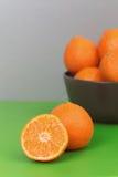 Tangerines на плите Стоковое Фото