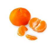 Tangerines, obrany tangerine i tangerine plasterki na białym bac, Zdjęcie Stock