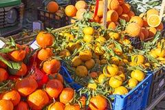 Tangerines w jedzenie rynku Obrazy Stock