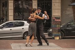 Tango, ballo tipico dell'Argentina nel cuore di vecchia vicinanza dello stesso nome nella città di Buenos Aires, Argentina immagine stock libera da diritti