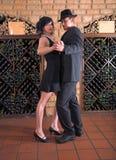 Tango im Weinkeller Stockfotografie
