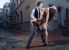 Tango sulla via Fotografie Stock Libere da Diritti