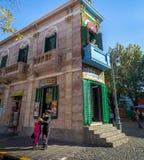 Tangotänzer an La Boca-Nachbarschaft - Buenos Aires, Argentinien stockfotografie