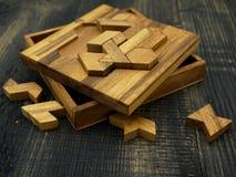 Tangram, jeu traditionnel chinois de puzzle photographie stock libre de droits