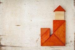 Tangrambyggnad med ett torn Fotografering för Bildbyråer