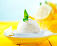 Tangy lemon sorbet Royalty Free Stock Photos