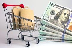 Tani i niedrogi online zakupy obrazy stock