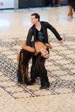 Taniec łacińska Para - Taniec Ćwiczy 2012 Zdjęcia Stock