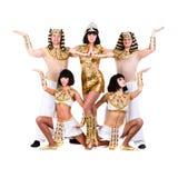 Tancerze ubierający w Egipski kostiumów pozować Obrazy Stock