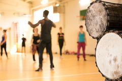Taniec klasa, afrykanów bębeny Zdjęcia Royalty Free