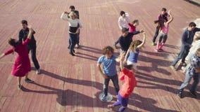 Taniec w Moskwa Ludzie tanczy na kwadracie zbiory