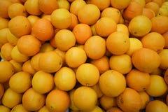 Tanjerinas no mercado Fotos de Stock