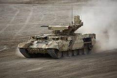 Tank` Begeindiger ` in slag Stock Afbeelding