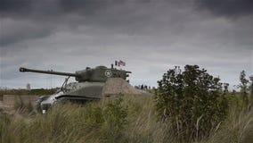 Tank bij het museum van de het Strandd-dag van Utah, Normandië Frankrijk stock footage