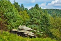 Tank in het bos stock afbeeldingen