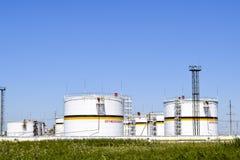 Tank het verticale staal Capaciteiten voor opslag van olieproducten Titel: brandbaar stock afbeeldingen