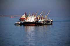 Tanker auf hoher See Stockfotos