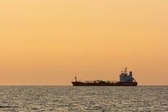 Tanker Crystal Pearl laufend Lizenzfreie Stockfotos