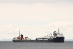 Tanker kreuzt See Ontario Lizenzfreie Stockbilder