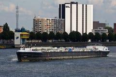 Tanker op Maas royalty-vrije stock afbeeldingen