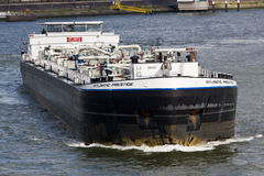 Tanker op Maas royalty-vrije stock afbeelding