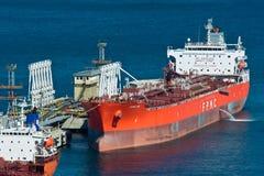 Tankfartyg FPMC20 nära företaget Rosneft för olje- terminal Nakhodka fjärd Östligt (Japan) hav 31 03 2014 Arkivfoton