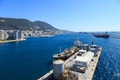 Tankfartyg i den Gibraltar hamnen Royaltyfri Fotografi
