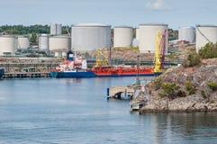 Tankfartyg med olje- lagring Arkivbilder