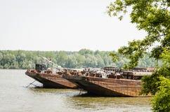 Tankfartyg på Danubet River Royaltyfri Bild