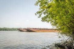 Tankfartyg på Danubet River Royaltyfria Bilder