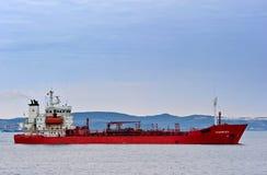 Tankfartyg Snabzhenets på vägarna Nakhodka fjärd Östligt (Japan) hav 15 08 2014 Royaltyfria Foton