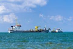tankfartyg Transport för behållareskepp eller lagerflytande eller gaser i massa royaltyfria bilder